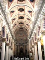 Modica Bassa. Interno della stupenda chiesa di San Pietro. Navata centrale.  - Modica (1550 clic)