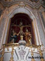 Modica Alta. interno della chiesa di San Giorgio. l'altare del SS Crocifisso  - Modica (2163 clic)