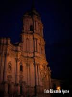 Modica Alta. visione notturna della bellissima chiesa di San Giorgio di Modica.  - Modica (1577 clic)