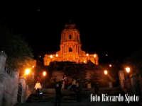 Modica Alta. visione notturna della bellissima chiesa di San Giorgio di Modica. MODICA Riccardo Spot