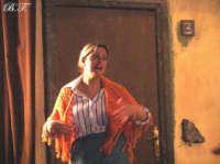 La Brigata Teatrale di Santa Maria di Licodia presenta; Miracolo, commedia brillante in due atti, riadattamento in chiave farsesca del S. Giovanni decollato di Martoglio. Marzo 2007, cine-teatro S. Giuseppe, Santa Maria di Licodia. (foto scattata da Stefano Mirone)  - Santa maria di licodia (1151 clic)