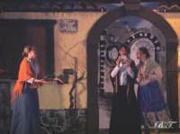 La Brigata Teatrale di Santa Maria di Licodia presenta; Miracolo, commedia brillante in due atti, riadattamento in chiave farsesca del S. Giovanni decollato di Martoglio. Marzo 2007, cine-teatro S. Giuseppe, Santa Maria di Licodia. (foto scattata da Stefano Mirone)  - Santa maria di licodia (1379 clic)