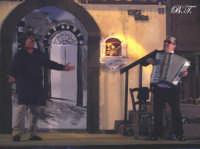 La Brigata Teatrale di Santa Maria di Licodia presenta; Miracolo, commedia brillante in due atti, riadattamento in chiave farsesca del S. Giovanni decollato di Martoglio. Marzo 2007, cine-teatro S. Giuseppe, Santa Maria di Licodia. (foto scattata da Stefano Mirone)  - Santa maria di licodia (1133 clic)
