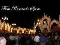 festa della Patrona Maria SS Annunziata. L'artistica illuminazione di piazza Don Diego   - Pedara (4937 clic)