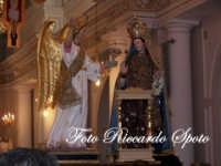 festa della Patrona Maria SS Annunziata. La Madonna all'interno del suo santuario  - Pedara (5776 clic)