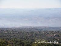 Bosco di Santa Maria di Licodia, m 1100 slm. la cittadina di Licodia vista dal bosco, incastonata tra l'etna e la valle del Simeto.  - Santa maria di licodia (2132 clic)