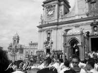 Festa di San Placido, Ottobre 2006. San Placido in piazza, inizia la processione.  - Biancavilla (2342 clic)