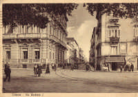 Via Umberto, negli anni '30 del '900  - Catania (7394 clic)