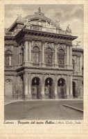 Il teatro Massimo Vincenzo Bellini, opera di Carlo Sada, in una foto degli anni '30 del '900  - Catania (2819 clic)