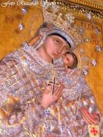 Feste Patronali. L'icona della Madonna dell'Elemosina, patrona della città. 4 Ottobre 2007  - Biancavilla (3886 clic)