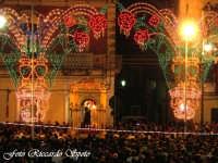 Feste Patronali. Il Fercolo del Patrono San Placido Martire in processione. 6 Ottobre 2007  - Biancavilla (2232 clic)