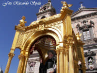 Feste Patronali. Usicta e processione del Fercolo del Patrono San Placido Martire. 5 Ottobre 2007  - Biancavilla (1637 clic)