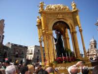 Feste Patronali. Usicta e processione del Fercolo del Patrono San Placido Martire. 5 Ottobre 2007  - Biancavilla (1662 clic)