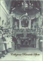 Interno della Chiesa della Madonnna della Consolazione, prima dei bombardamenti degli anni '40. Ai piedi dell'altare Padre Luigi Panepinto, Patri Paparazza, che negli anni '20 restaurò e riapri al culto la chiesa.  - Santa maria di licodia (3910 clic)