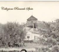 Esterno della Chiesa della Madonnna del Carmelo, prima della Costruizione dell'attuale faccita nelgli anni '60. La foto risale ai primi anni '60.  - Santa maria di licodia (3834 clic)