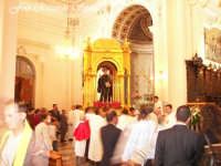 Feste Patronali. Il fercolo di San Placido all'interno della Chiesa Madre. 5 Ottobre 2007   - Biancavilla (2083 clic)