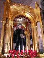 Feste Patronali. Il fercolo di San Placido all'interno della Chiesa Madre. 5 Ottobre 2007   - Biancavilla (3218 clic)