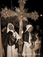 Santa Maria di Licodia. Venerdì Santo. Processione del Cristo Morto. La Croce del Sacramento   - Santa maria di licodia (2014 clic)
