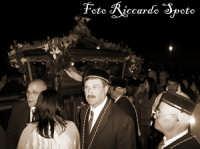 Santa Maria di Licodia. Venerdì Santo. Processione del Cristo Morto. Rientro in chiesa del Cristo Morto.   - Santa maria di licodia (2033 clic)