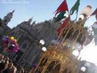 La festa di Sant'Agata. Le candelore. Candelora dei fiorai a regina e la cattedrale.  - Catania (2510 clic)