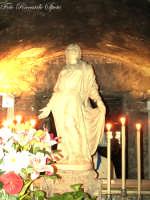 La festa di Sant'Agata. Interno del Santo Carcere. il simulacro marmoreo della Santa, sito sull'altare costruito sul luogo dove secondo la tradizione Sant'Agata rese l'anima a Dio il 5 febbraio 251.  - Catania (2238 clic)