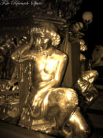 La festa di Sant'Agata. Le candelore. La candelora dei panettieri, la mamma. è la candelora più pesante, sono infatti dodici i componenti della chiumma addetti al trasporto.  - Catania (2358 clic)