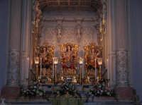 I simulacri dei Santi Fratelli Martiri Alfio Filadelfo e Cirino, all'interno della Cameretta sopra l'altare del santuario.  - Trecastagni (1969 clic)