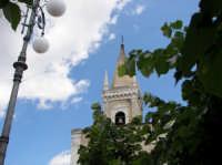 La centrale piazza Cisterna, con la chiesa Madre dedicata alla Madonna del Carmelo  - Ragalna (3376 clic)