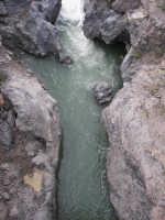 le rapide del Simeto nei pressi di Adrano, località Ponte dei Saraceni  - Adrano (2416 clic)