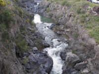 le rapide del Simeto nei pressi di Adrano, localit? Ponte dei Saraceni  - Adrano (4047 clic)