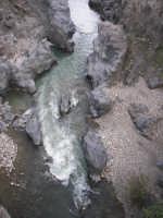le rapide del Simeto nei pressi di Adrano, località Ponte dei Saraceni  - Adrano (2534 clic)