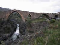 Il Ponte dei Saraceni, splendido esempio di architettura medioevale  - Adrano (3251 clic)