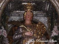 festa patronale di Santa Barbara, particolare del simulacro sulla vara  - Paternò (1454 clic)