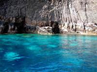 Dietro l'isola  - Pantelleria (3081 clic)