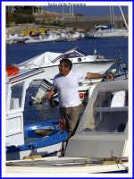 Scena nel porto. La pesa del pesce.  - Isola delle femmine (3847 clic)