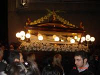 Vara lignea traspotata a spalla da 32 Confrati per la Processione del Venerdì Santo annacata  - Borgetto (4066 clic)