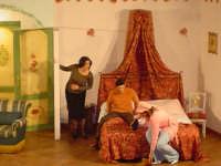 Momento saliente di Chiave per due, a cura della Nuova Compagnia Teatrale il canovaccio  - Leonforte (3984 clic)