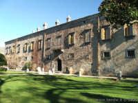 Vista esterna degli appartamenti della Ducea di Nelson  - Bronte (2257 clic)