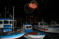 fuochi d'artificio per la festa della Madonna di Porto Salvo (porto nuovo)  - Lampedusa (4351 clic)