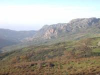 Vista su Alcara Li Fusi (Rocche del Crasto)  - Nebrodi (7367 clic)