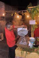 Un istante catturato durante l'edizione 2006 della Sagra della Castagna ad Antillo (Ott. 2006)  - Antillo (6763 clic)