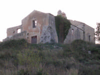 Rovine del convento di S.Anna che si trova sulla strada Chiusa Sclafani - Giuliana.  - Chiusa sclafani (2290 clic)