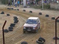 Gimkana automobilistica su sterrato. Campo sportivo S.Lucia. --Partecipavano anche le donne. --  - Chiusa sclafani (4116 clic)