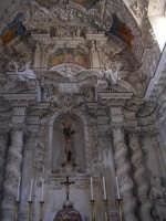 Chiesa di S.Sebastiano.Statua in legno del Santo arricchita da una reliquiario incastonato nel petto e contenente del sangue e un pezzettino d'osso del Santo   - Chiusa sclafani (2011 clic)