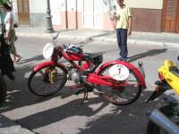 Moto-Giro d'Italia moto d'epoca.Tappa a Chiusa Sclafani 20/05/2007.Questa è davvero d'epoca!!  - Chiusa sclafani (1426 clic)