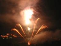 Festa del SS.Crocifisso 2006.Fuochi d'artificio in onore del SS.Crocifisso.  - Chiusa sclafani (4315 clic)