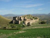 Resti del castello in contrada Batellaro  - Bisacquino (3285 clic)