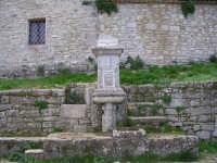 La fontana nell'eremo di S.Rosalia.  - Santo stefano quisquina (5046 clic)