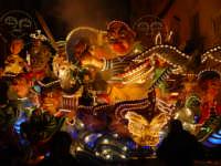 carri in festa che sfilano x la citta di acireale.2004  - Acireale (5603 clic)
