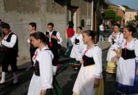 Festival del Folclore Giovanile 2004 organizzato dall'Ass. Leoni reali   - Camporotondo etneo (3156 clic)